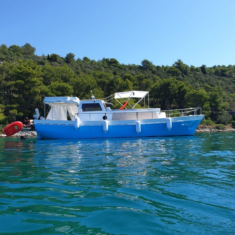 Taste of tradition on a cruise through National park of Kornati islands