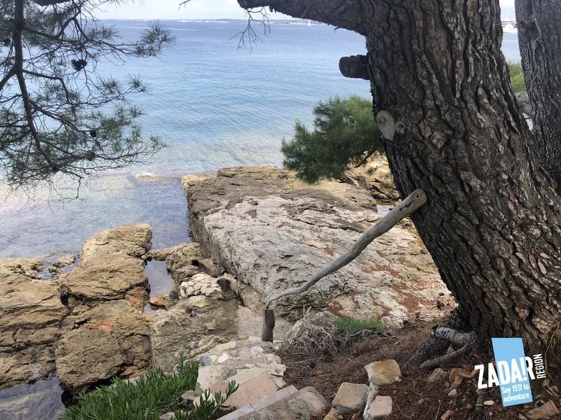 Day trip lazaret  beach stairs